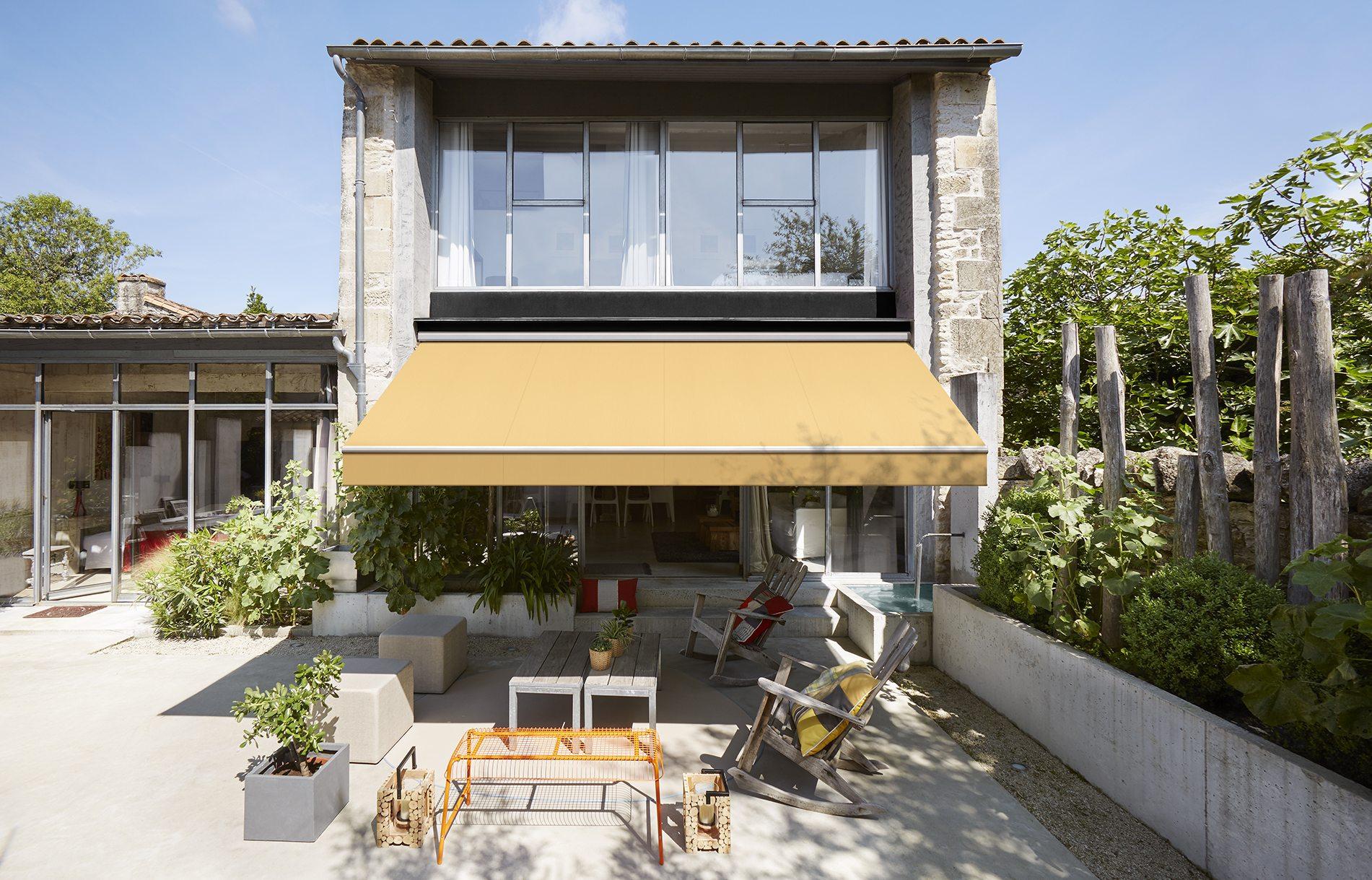 Zonwering terras zorgt voor schaduw en verkoeling lugo