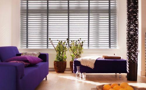 De horizontale jaloezie combineert met vele woonstijlen