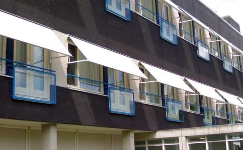 Zonwering balkon bij Lugo